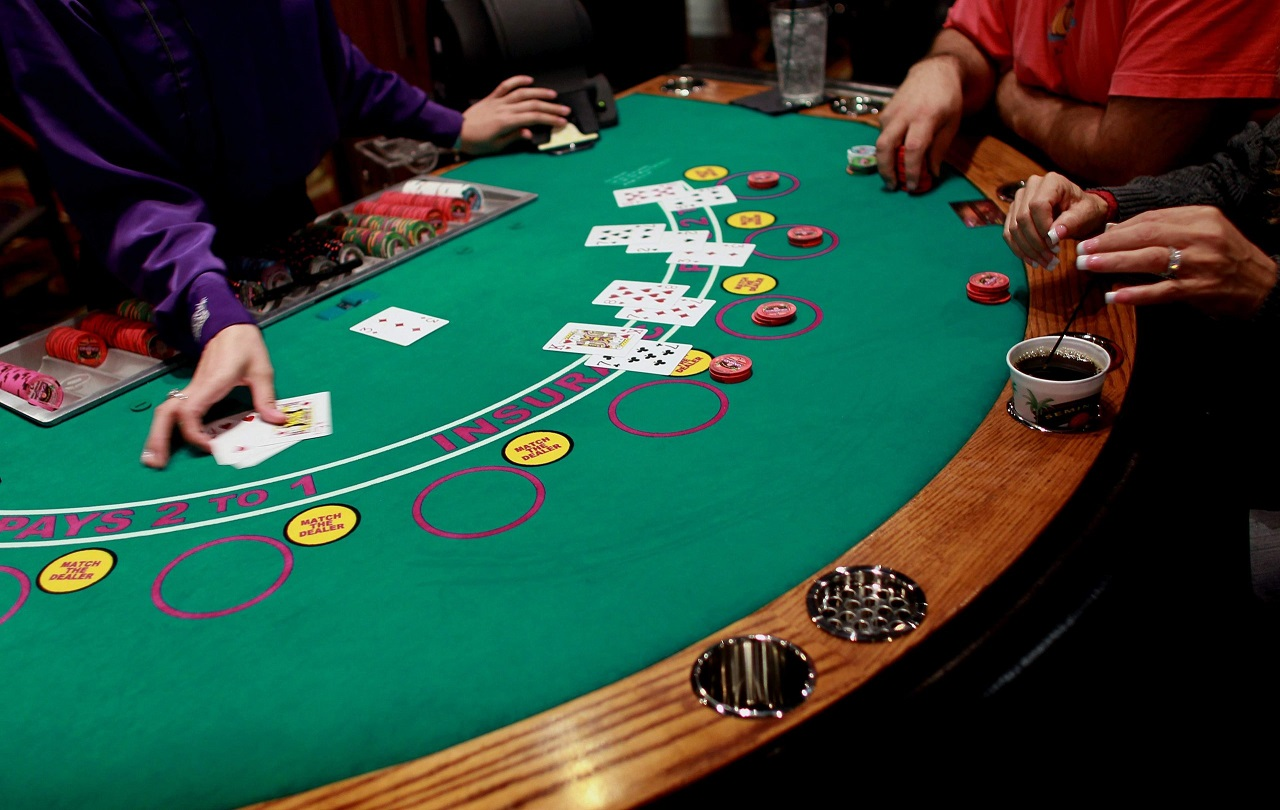 Finding the following Evolution of Blackjack Strategy