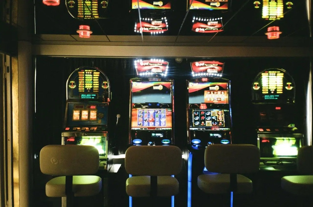 Why Pub Slots Ought To Be Seen More